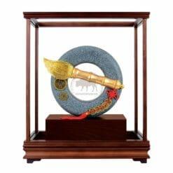 DY  大筆進財青斗石玻璃櫥藝品