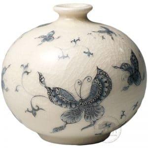 台華花瓶 - 青花蝴蝶 0110000007